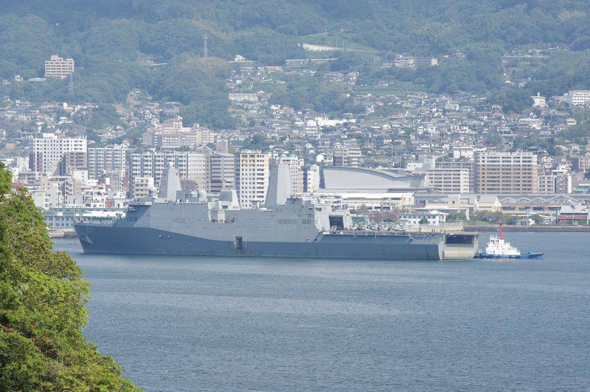 10月8日佐世保港米LPD-20「グリーン・ベイGreen Bay」出港 - 西海艦船写真館