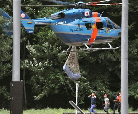 ソフトバンクの携帯は山岳地帯では殆ど通話が出来ず、平成22年(2010年)8月に埼玉県の秩父山中で日テレに記者などが次々と遭難して死亡する事故が発生したが、救助を呼べずに死亡した人たちの携帯電話はソフトバン