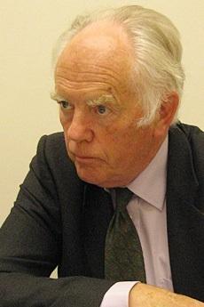 放射線医学の世界的権威、英オックスフォード大学名誉教授のウェード・アリソン博士は、年間被曝限度(避難基準)を【1ミリシーベルト】ではなく、【1,200ミリシーベルト(1.2シーベルト)】に設定すべきだ