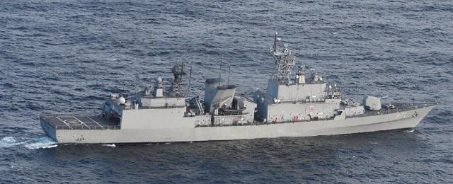 キタ━━(゚∀゚)━━!!! 防衛省、レーダー照射した韓国海軍艦艇の証拠写真を公開!ガッツリこっち向いてて言い訳不可能wwwwwwwwwwwwww
