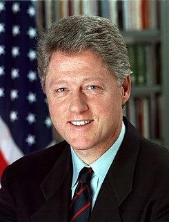 民主党のビル・クリントン大統領