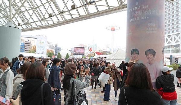 BTSライブ開演前から大勢のファンが詰めかける東京ドーム(撮影・沢田 明徳)