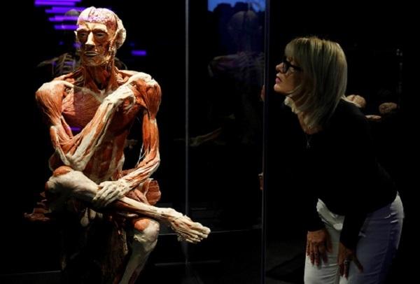 【ニュース】【スイス】ローザンヌで人体標本展を中止 中国で拷問され処刑された受刑者らの遺体が含まれている可能性