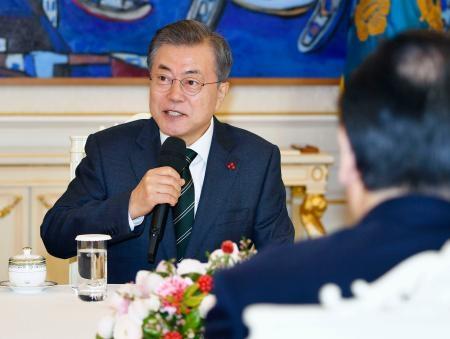 韓国大統領、徴用工裁判「対応協議中」 日韓議連に