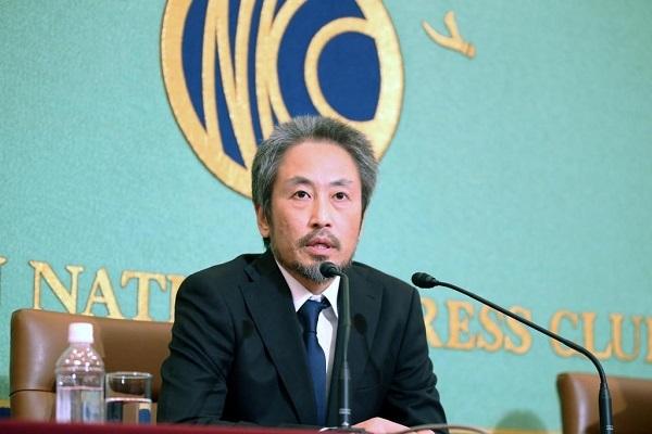 安田純平さんが語る拘束生活 動画撮影で「武装勢力の台本読んだ」 日本語の日記も許可