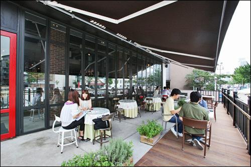 韓国文化と生活 > NOW!ソウル > 体にやさしいカフェが人気