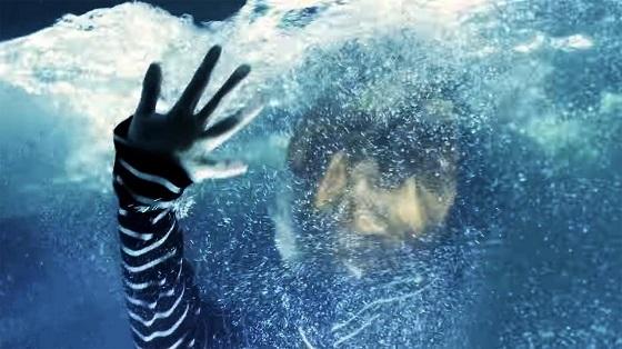 10.「もう一度、溺れろ溺れろ溺れろ」と呪うように歌う(2016年3月11日金曜日に公開)