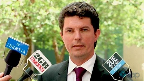 オーストラリアの野党議員、二重国籍で9年間議員活動。