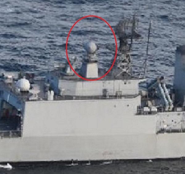 韓国の駆逐艦「クァンゲト・デワン」の後部の火器管制レーダー「STIR-180」が、空中にある自衛隊の哨戒機に向けられていることが分かり、水上にあるはずの遭難した北朝鮮の船舶を捜索するために使用されていなかった