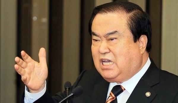 【天皇謝罪発言】韓国国会議長「ひと言『すまない』と言うだけでいい」「ひざまずく姿まで見せるなら、なお良い」