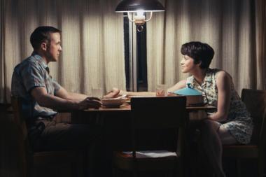 『ファースト・マン』 ニール・アームストロング(ライアン・ゴズリング)と妻ジャネット(クレア・フォイ)。ジャネットはアポロ11号発射前に怒り狂う?
