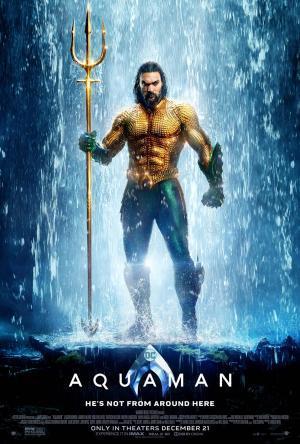 ジェームズ・ワン 『アクアマン』 ジェイソン・モモア演じるアクアマンは、トライデントを手に入れて大見得を切る。