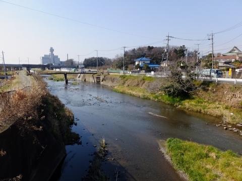 用田橋より目久尻川下流を望む