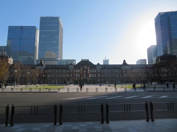 朝の東京駅1
