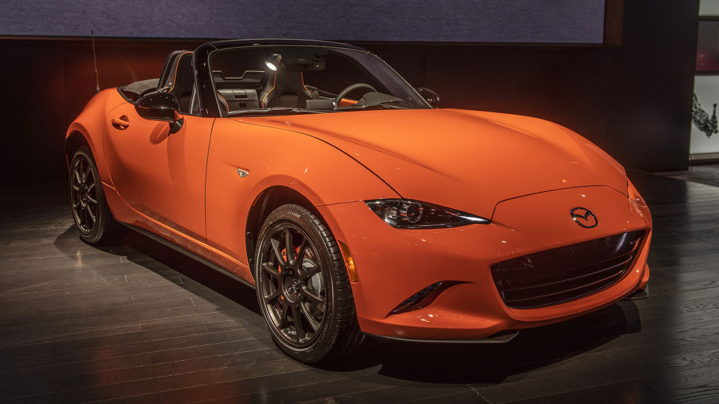 2019-mazda-mx-5-miata-30th-anniversary-edition-1.jpg