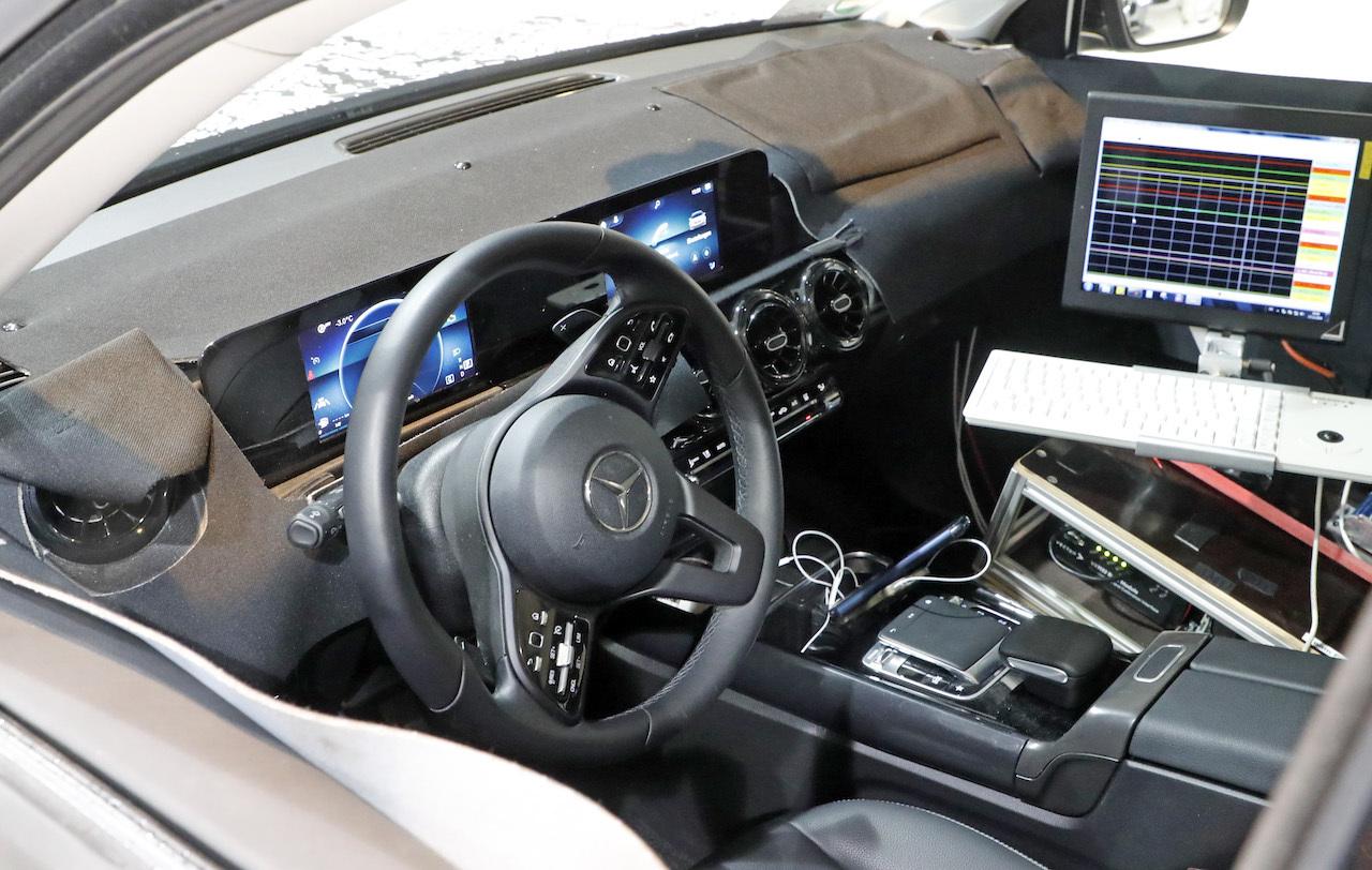 Mercedes-GLB-4.jpg