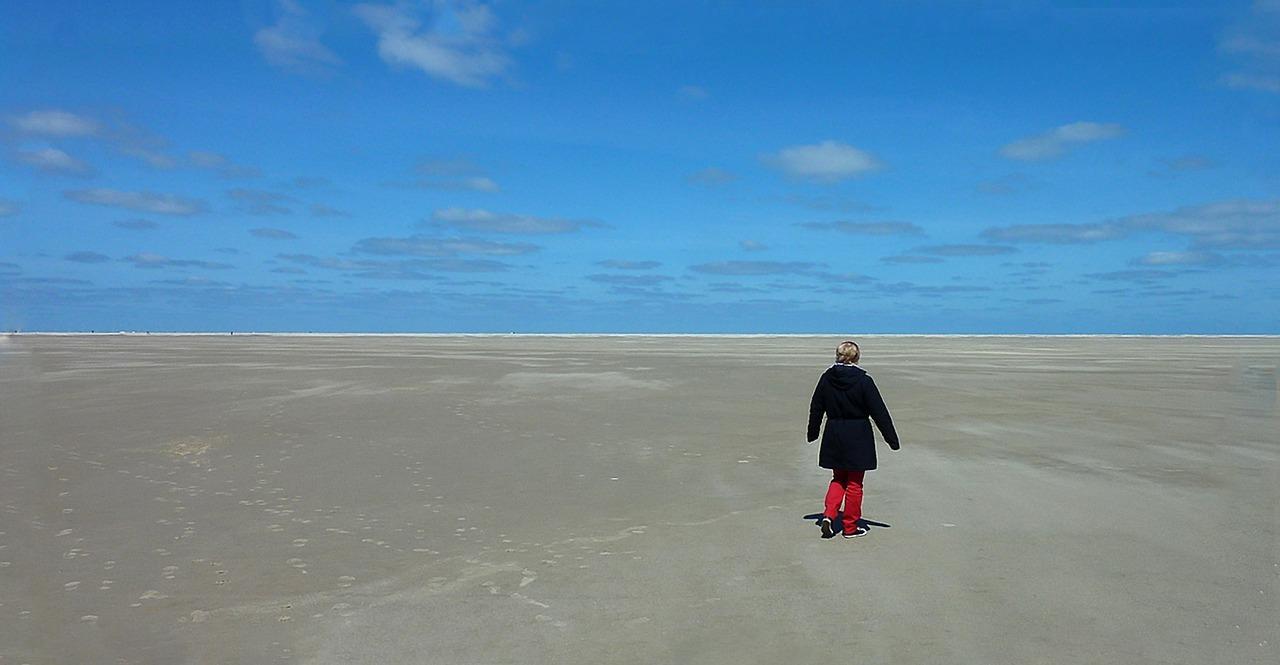 beach-2023803_1280.jpg