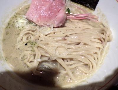 麺と心 7 牡蠣白湯(2019年版)(麺のアップ)