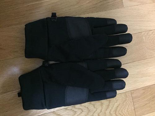 ユニクロ 防風ヒートテック手袋2