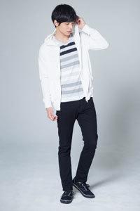 2019 春メンズファッションコーディネート 黒服 Tシャツ3