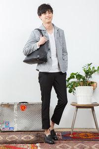2019 春メンズファッションコーディネート 黒服 Tシャツ4