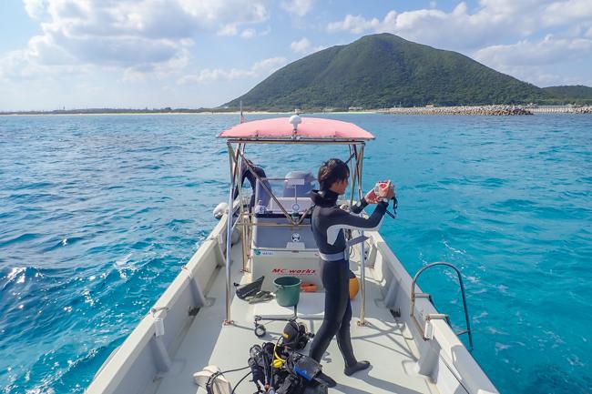 伊平屋島 ダイビングボート