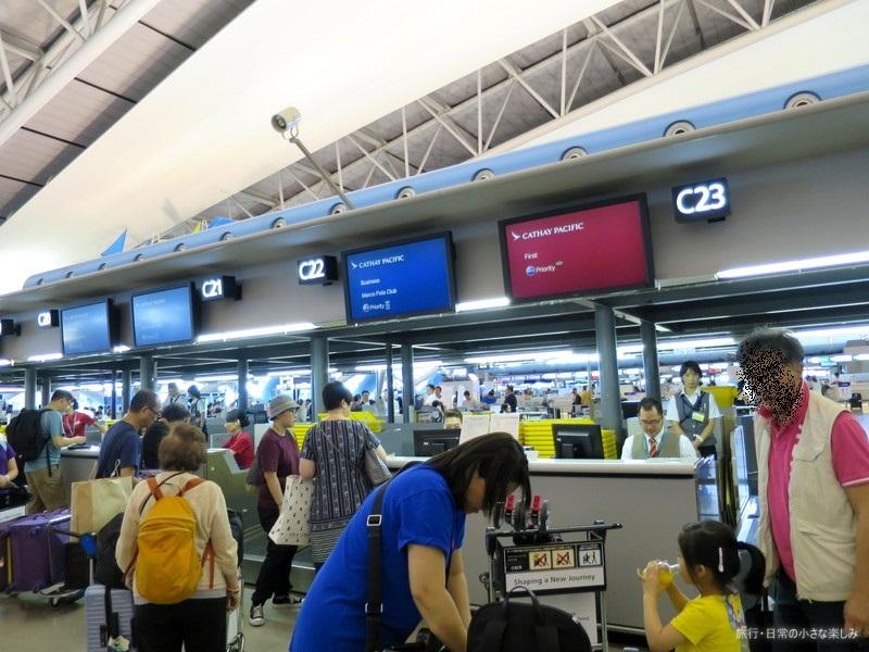 キャセイパシフィック 関西空港 チェックインカウンター