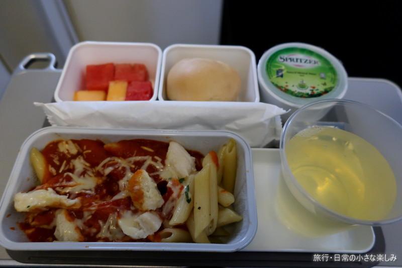 CX735 香港-シンガポール 機内食 キャセイパシフィック