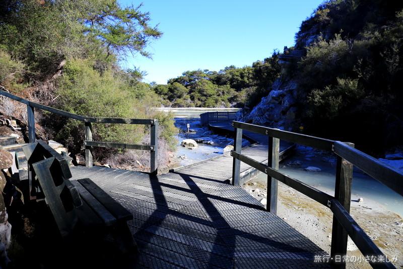 ニュージーランド観光 ロトルア ワイオタプ