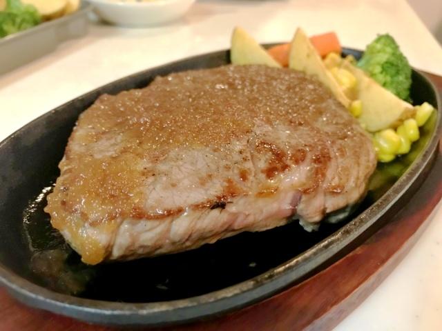 厚切りステーキ (1)