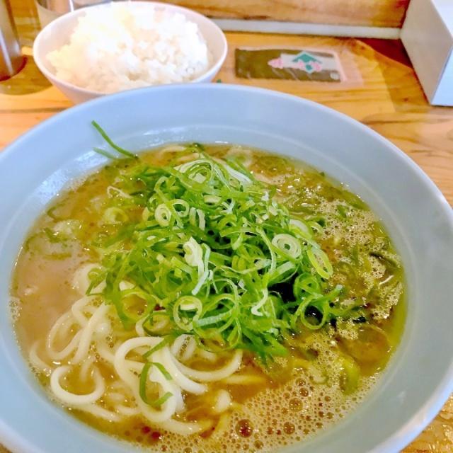 横浜ラーメン 武蔵家 大井町店 (14)
