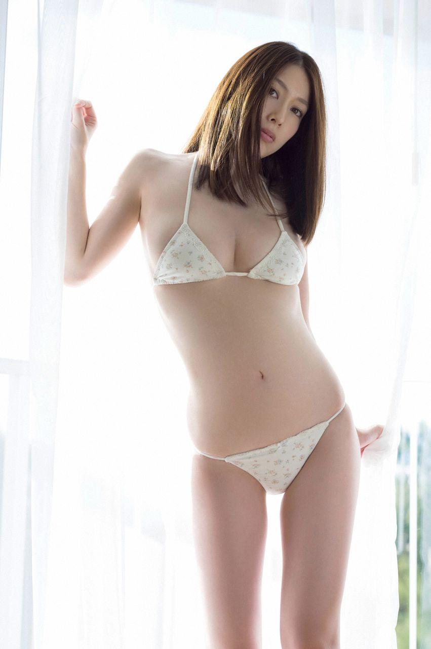kobayashi_emi056.jpg
