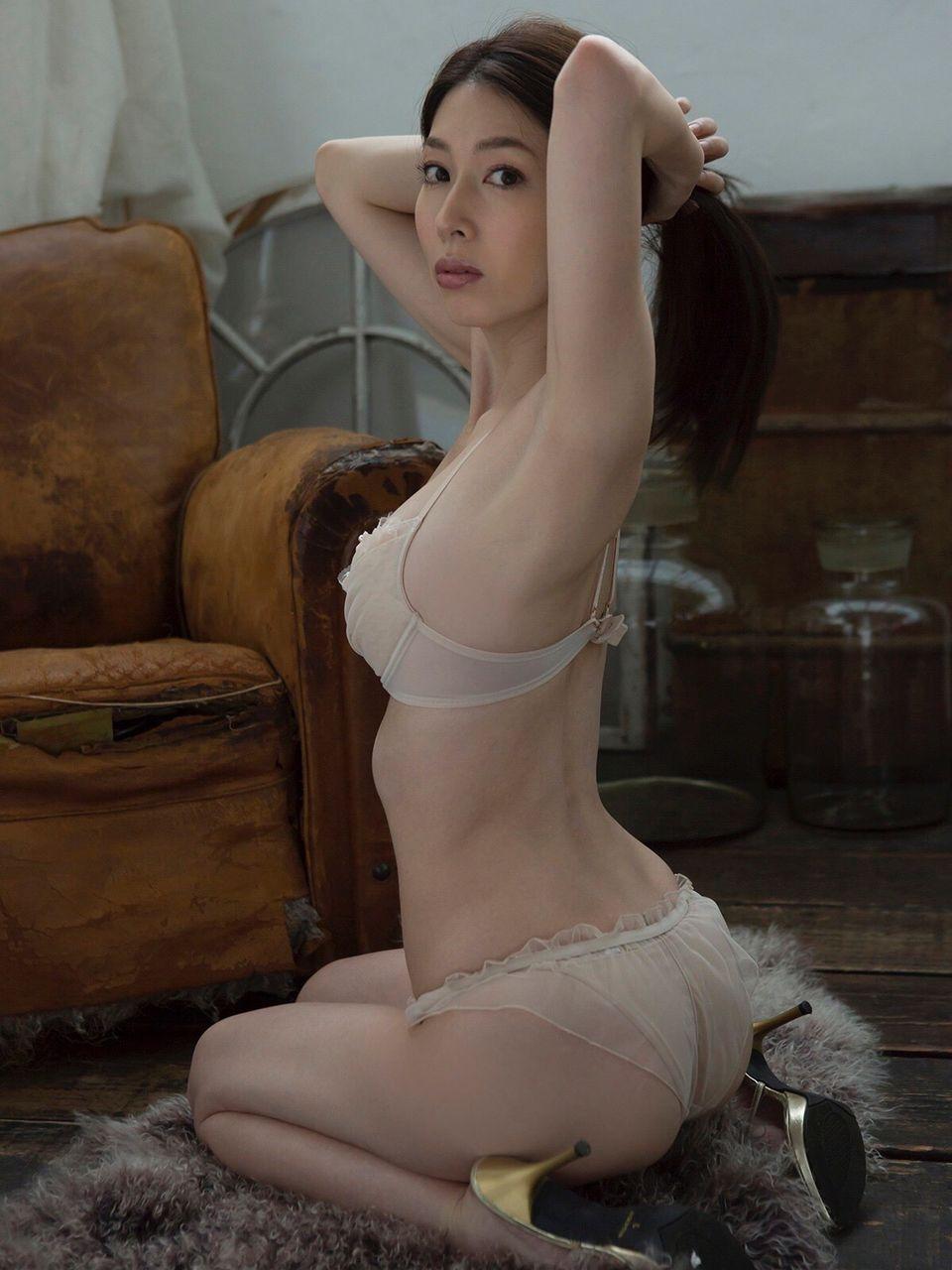 kobayashi_emi059.jpg