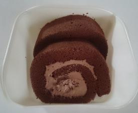 ザクザクチョコのロールケーキ02