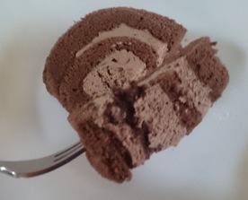 ザクザクチョコのロールケーキ04