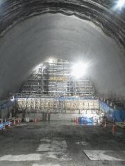 減勢トンネルよりゲート部を見る