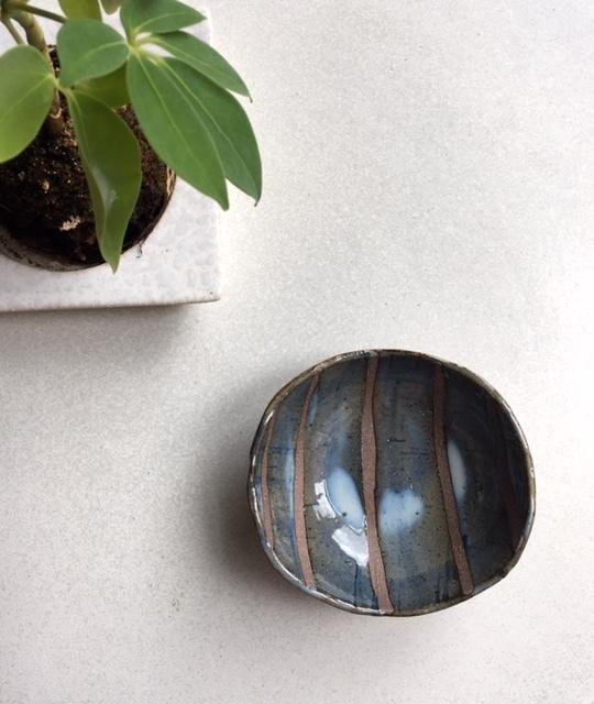 青色の楕円小鉢です♪