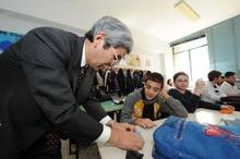 ピースボートのおりづるプロジェクト-ナポリの学校でおりづる教室