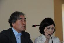 ピースボートのおりづるプロジェクト-ナポリ大学で証言をする西田さん