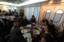 ピースボートのおりづるプロジェクト-洋上会議会食