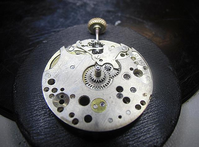 24-小秒針の機械です