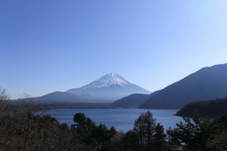 IMG_8423-2 本栖湖から富士山