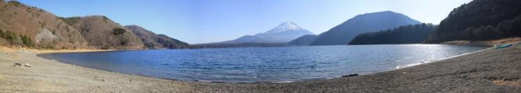 IMG_8446_stitch 本栖湖から富士山