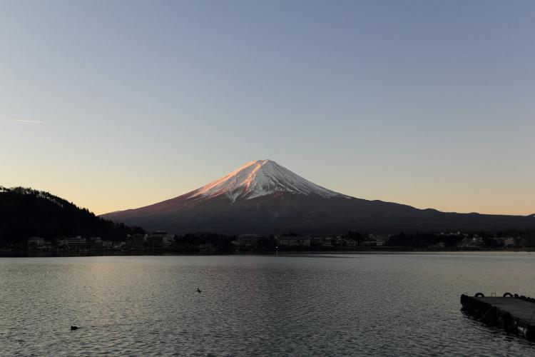 河口湖から朝焼けの富士山S