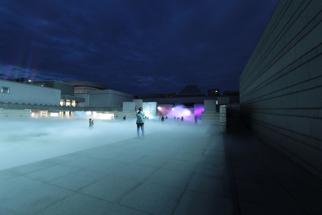 芸術館広場 夜002