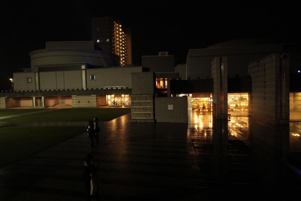 芸術館広場 夜005