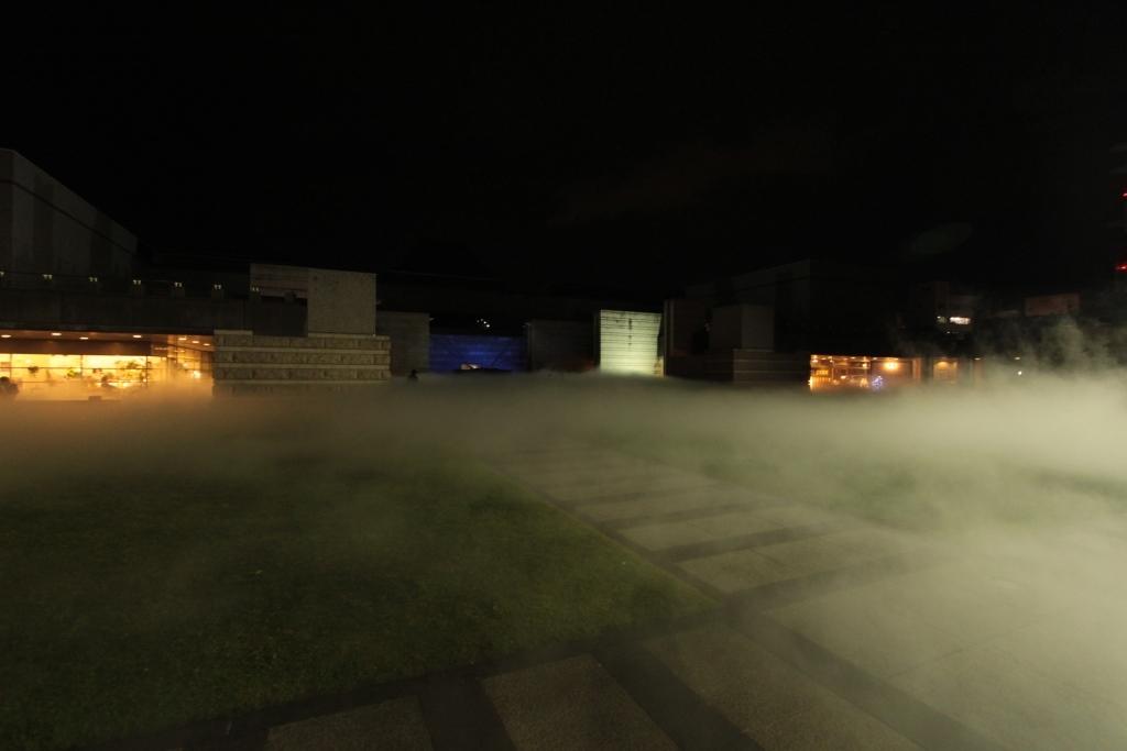 芸術館広場 夜003