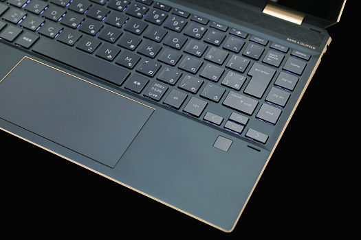 HP-Spectre x360 13-ap0000_ポセイドンブルー_指紋認証リーダー