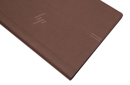 HP Spectre Folio 13_0G1A0605b_02b