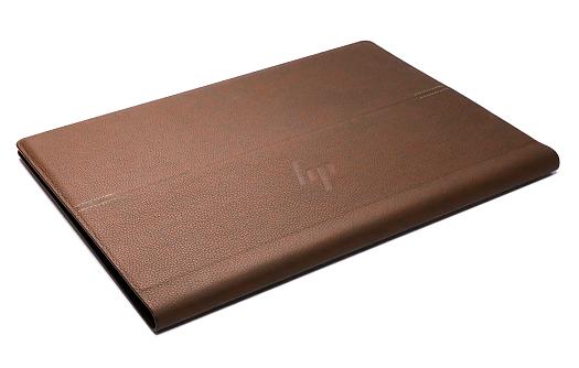 HP Spectre Folio 13_外観_本革_フォリオモード_斜め左